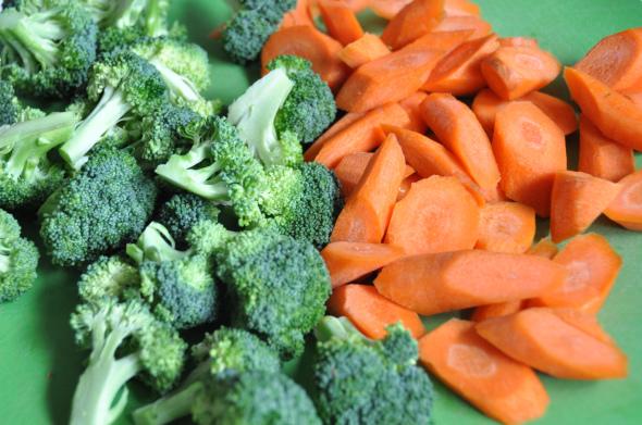 Roasted-Brocc-Carrots-0224-590x391
