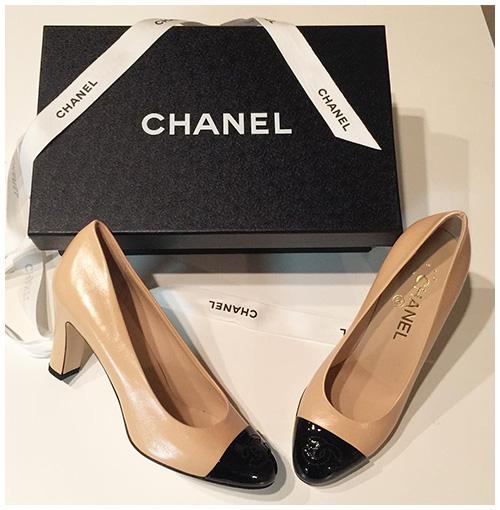 chanel-two-tone-cap-toe-block-heel-pumps-beige-black